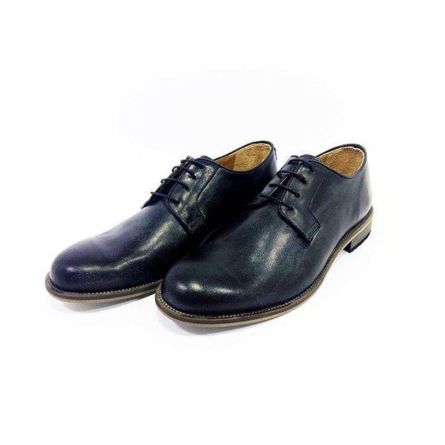 Derby Volta black www.l3luxury.com  #manstyle #manfashion #madeinitaly #italianshoes #italianhandmade #italianhandmadeshoes #shoesmadeinitaly #fashionshoes #shoes #shoesman #shoesshop #shoesvintage #scarpe #scarpeuomo #scarpevintage