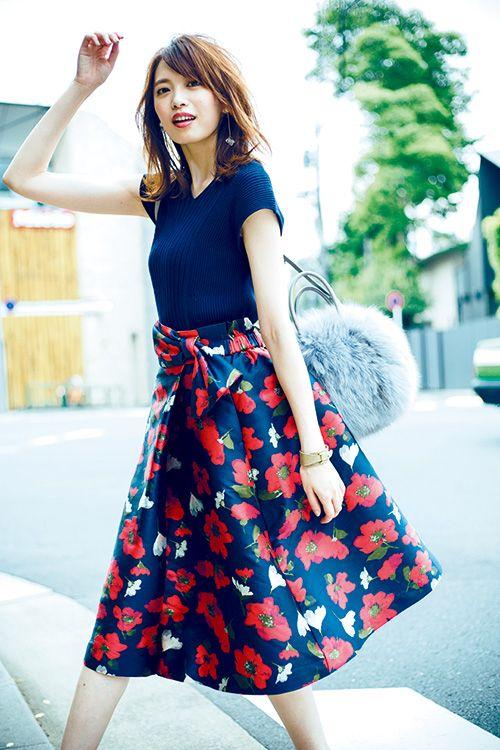 【毎日コーデ】派手スカートの攻略法!ふわっと広がる〝ドッキングワンピ風〟コーデ