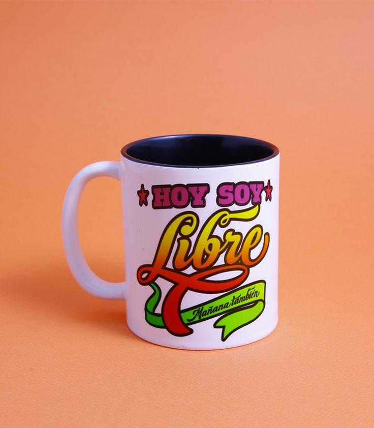 Color blanco Elliot Tupac, artista gráfico peruano que ha resignificado el oficio de dibujante de letras. Su obsesión por el lettering y la tipograf