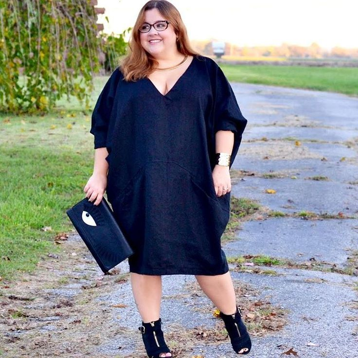 New Indie Spotlight up featuring The Painter dress from @thetinycloset shop! Link in bio #curvyfashion #tcfstyle #realoutfitgram #ootd #plussizeblogger #blogger #style #allbodiesaregoodbodies #loveyourbody #boldncurvy #bodypositive #goldenconfidence #effyourbeautystandards #honoryourcurves #petitecurves #curvyandpetitefashion #curvystyle #petitestyle #petitefashion #petiteplus #celebrateyoursize #IFBootd #bigandblunt #stylefilesplus #buzzfeedstyle #garnerstylefiles #indie #indepentdesigner…