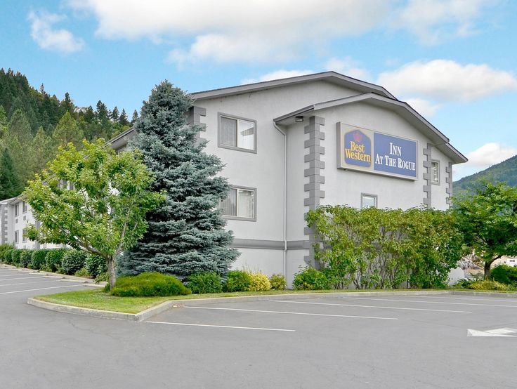 Grants Pass (OR) Best Western Inn at the Rogue United States, North America Ideally located in the prime touristic area of Rogue River, Best Western Inn at the Rogue promises a relaxing and wonderful visit. The property features a wide range of facilities to make your stay a pleasant experience. Facilities like 24-hour front desk, facilities for disabled guests, express check-in/check-out, luggage storage, Wi-Fi in public areas are readily available for you to enjoy. Televisio...