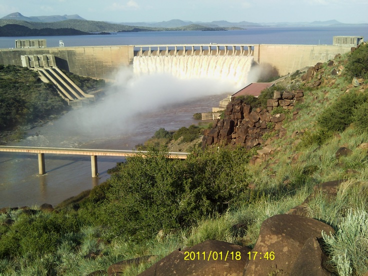 """South Africa's drinking water is rated 3rd best in the world for being """"safe and ready to drink"""".  Photo: Gariep Dam, Free State"""