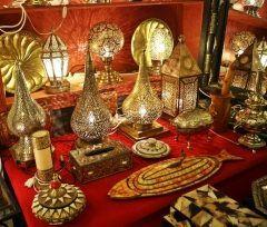 世界遺産モロッコフェズの旧市街で入った装飾店  当た人の魔法のランプ幾何学模様のランプのデザインが精緻で美しかね 見るだけでも楽しかったよ  #世界遺産 #モロッコ #フェズ #土産物屋 #ツアー #旧市街 #海外旅行 tags[海外]