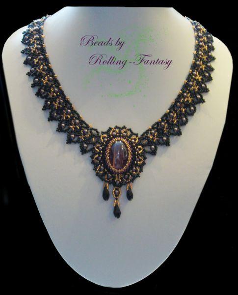 Gothic-Collier Lady Violett in schwarz, gold, lila von Beads by Rolling-Fantasy auf DaWanda.com
