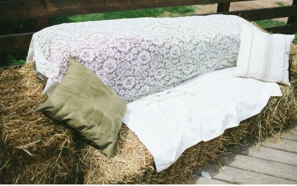 Ten Great Ways to Use Hay Bales in Your Wedding  Cool idea but I can hear the sneezing already.