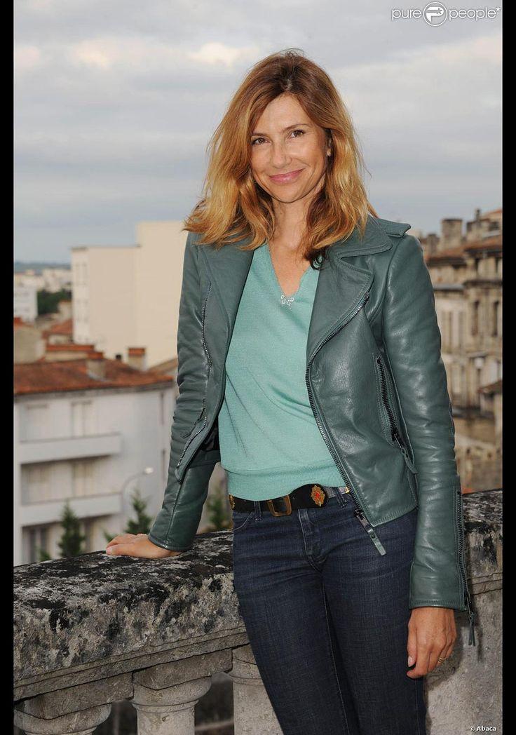 Florence Pernel radieuse, non loin du président amoureux Vincent Perez