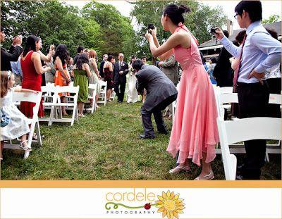 """Tu boda """"unplugged"""": como tratar con los """"invitados - fotógrafos"""" ~ Wedding Planner ¡WOW QUE BODA!"""