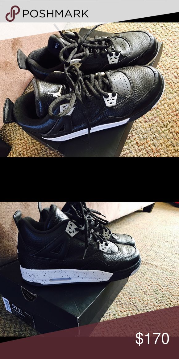 AIR JORDAN RETRO 4 OREO BRAND NEW WITH BOX AIR JORDAN RETRO 4 OREO SIZE 5.5Y BRAND NEW WITH BOX Jordan Shoes
