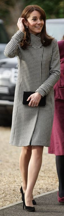 Who made  Kate Middleton's print coat?