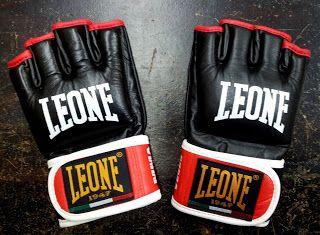 Boxeo y Honor: Guantillas para MMA Leone GP096
