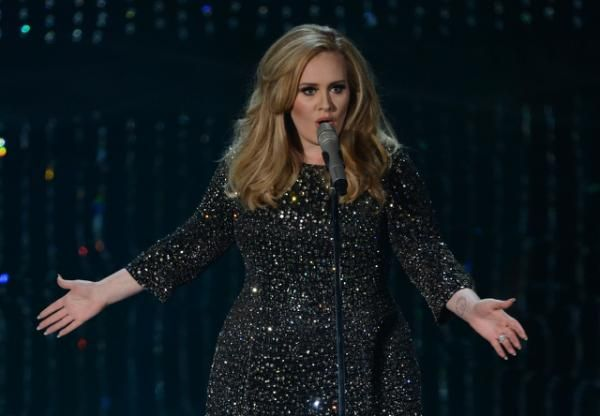 """Adele's album """"25"""" has broken another record, selling more than one million albums in the United States in its second week after a massive debut, a tracking service said Sunday. By sustaining huge success for a second week, the British singer becomes the first artist to sell more than one million albums in two separate weeks since at least 1991, when Nielsen Music began systematic data. """"25"""" sold 1.1 million albums in the week through Thursday, bringing to 4.49 million copies the total US…"""