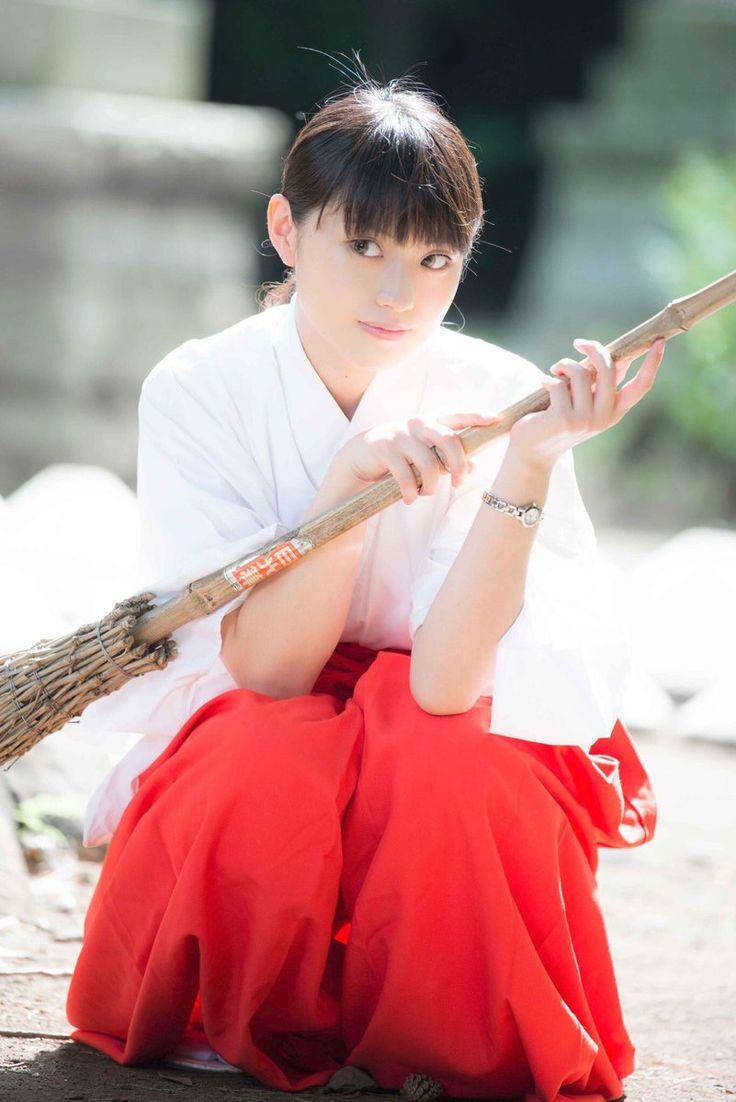Mikosyouzoku /Kazari (^⏑^) 巫女 (Miko)
