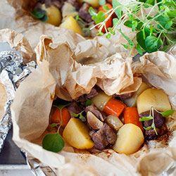 Karkówka pieczona w papilotach z ziemniakami i marchewką   Kwestia Smaku