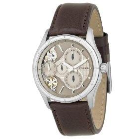 Montre Fossil ME1020 moins cher - 109,00 € livré  Bracelet en cuir marron. La montre Fossil ME1020 est une montre pour Homme de la collection actuelle Fossil. Le bracelet est en Cuir marron muni d'un fermoir à Boucle ardillon. Affichage Analogique, Etanche à 50 mètres.