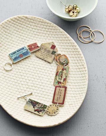 Tutorial to make this awesome bracelet using shrinky dinks. Love the little envy!Ideas, Vintage Ephemera, Shrinky Dink, Dink Jewelry, Diy Jewelry, Dink Bracelets, Charms Bracelets, Shrink Plastic, Crafts