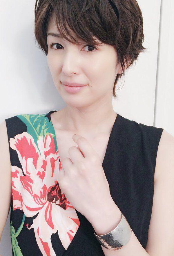 吉瀬美智子 @kagayakurecipe  5時間5時間前 今日のお洋服  dress : STELLA McCARTNEY  shoes : TOGA  accessories : shaesby