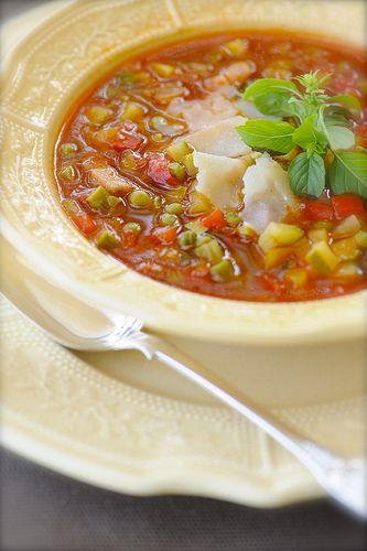Типа, Минестроне. Мой самый любимый суп! Вот честно, впервые настоятельно рекомендую. Уменя абсолютно свой персональный рецепт. Полученный в результате кучи…