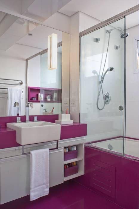 Banheiro Feminino: Banheiros modernos por KTA - Krakowiak & Tavares Arquitetura