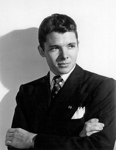 a biography of audie leon murphy The biography of audie murphy audie leon murphy was a legend in his own time a war hero, movie actor, writer of country and western songs, and poet his biography reads more like fiction than fact.