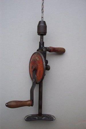la chignole, ancêtre de la perceuse électrique