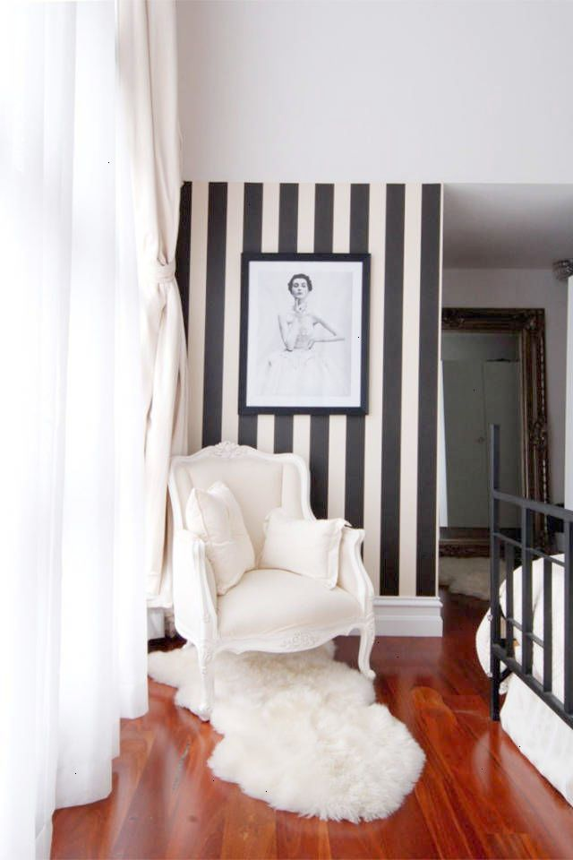 28 Interior Ideas For Decorating With Wallpaper