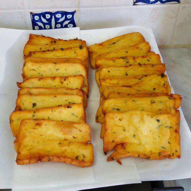 Le Panelle Palermitane sono un piatto tipico della cucina tradizionale siciliana. Insieme alle arancine E ai Cazzilli (crocchette di patate).