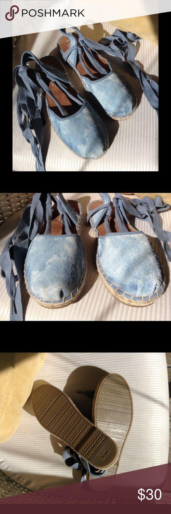 Womens Tom Espadrilles Womens blue espadrilles tie up. Size 8. TOMS Shoes Espadrilles