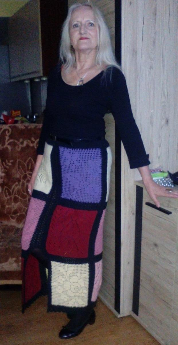 długa spódnica w stylu patchwork mieszanymi technikami