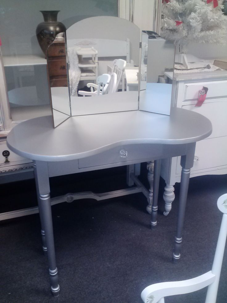 Vintage kidney shaped dressing table with trifold mirror for Silver vanity table