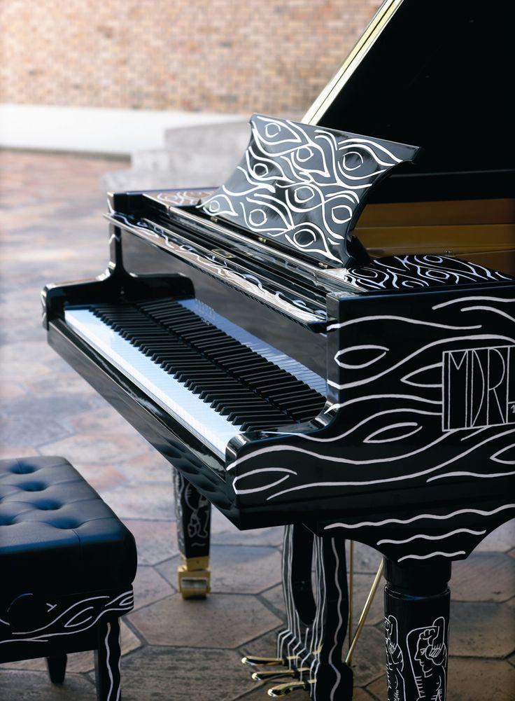 Clavier du piano Pleyel d'artiste Cariatide Fondation Maeght 2006.