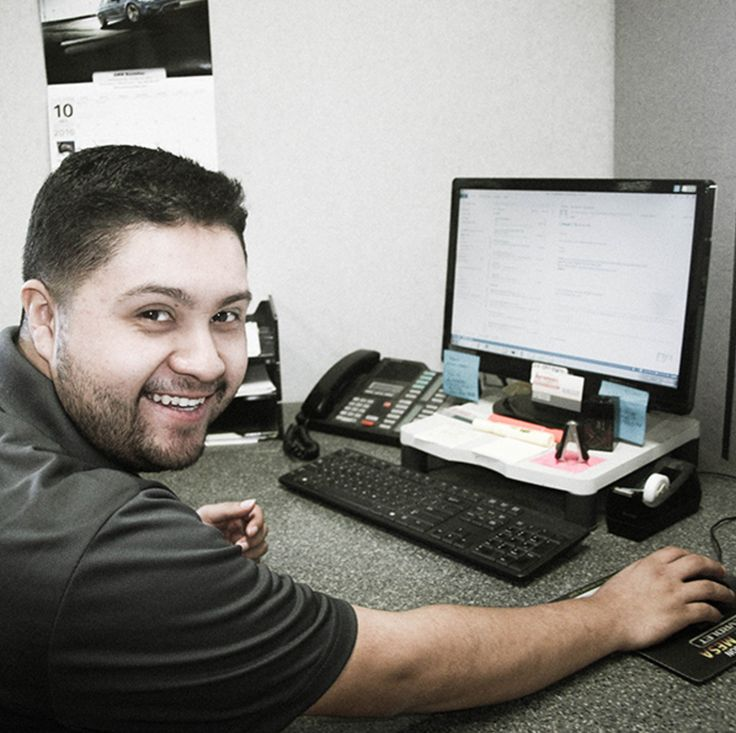 Our friendly staff are always ready to help!   Give us a call at 📞 760.741.5766 for all your servicing needs!  #repairs #collsion #fix