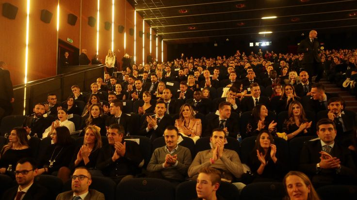 Napoli, che festa al cinema con De Laurentiis! - Corriere dello Sport