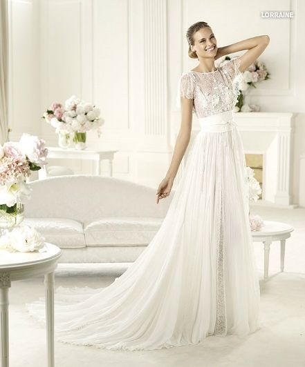 Прямое свадебное платье Lorraine 2013