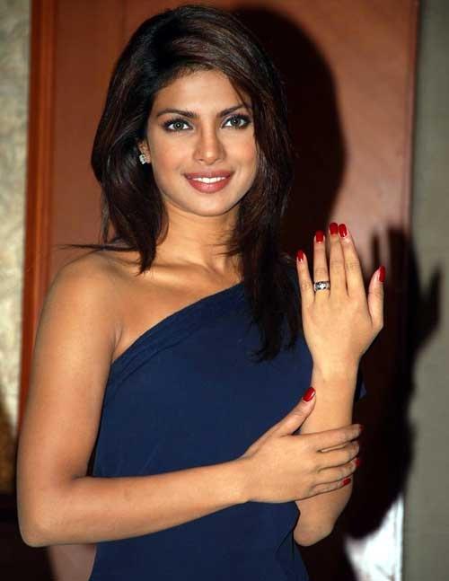 Priyanka Chopra Red Nails Priyanka Chopra Pinterest
