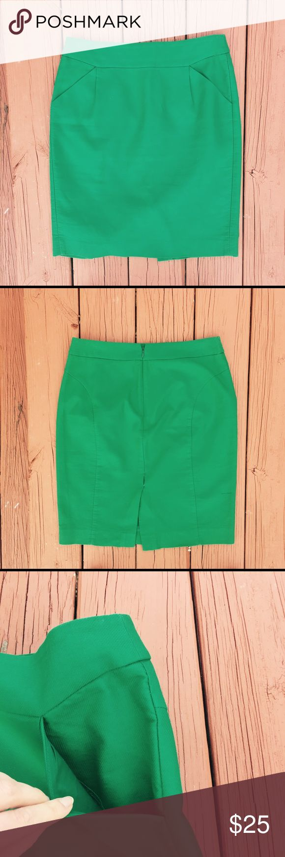 J. Crew Emerald Green Pencil Skirt with Pockets J. Crew Emerald Green Pencil Skirt. In excellent used condition. Size 6. J. Crew Skirts Midi