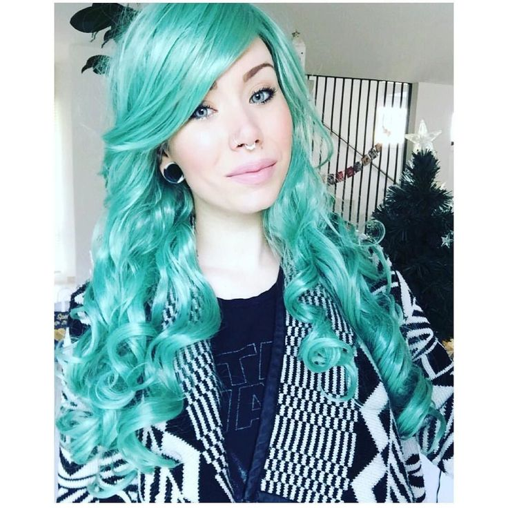 Oh wow!!!  The beautiful @mrs.t.staley in Lush Wigs Green Revolution! The Revolution begins inside of all of our hearts  #lushwigs #lushwigsgreenrevolution #justwow She is available to buy now from lushwigs.com (link in bio) Don't forget our december mix n match offer is on!!!