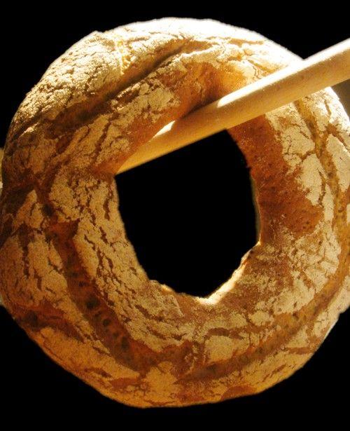 Для любителей совершенно некислого, мелкопористого ржаного хлеба. Преферменто: Закваска - 5 гр Мука ржаная светлая - 150 гр (брал ржаную сеяную, замена получилась не…