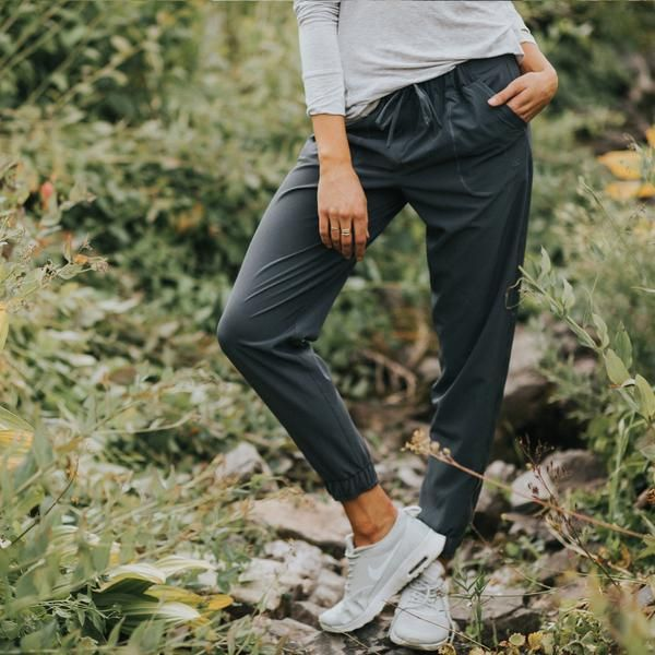 These pants are going places: Paris, Prague, Buenos Aires, Bangkok.. or maybe to class, to the office, to bookclub or to the gym. The perfect fit, designed to move with you for maximum comfort with wi