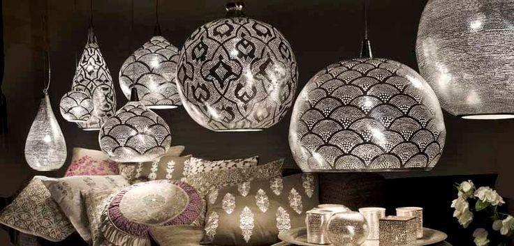 Orientalische Lampen, 1001 Nacht Lampen sowie marokkanische Kugellampen finden Sie bei Suppan und Suppan im Online Lampen Shop für orientali...                                                                                                                                                     Mehr