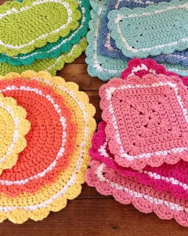 """Watch Maggie's 20 Hot Pad Crochet Pattern Product Review! Original Designs By: Maggie Weldon Skill Level: Easy Sizes: (Sizes given are approximate) Square:15"""", 12½"""", 10½"""", 10"""", 9½"""" Rectangular:17 X 13"""