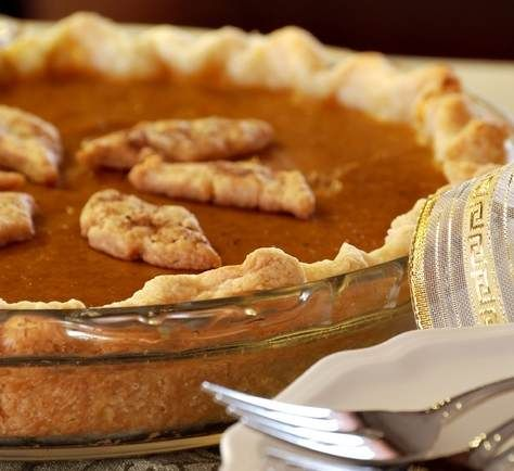 Fresh pumpkin pie recipe that includes instructions on making pumpkin purée from a fresh pumpkin.