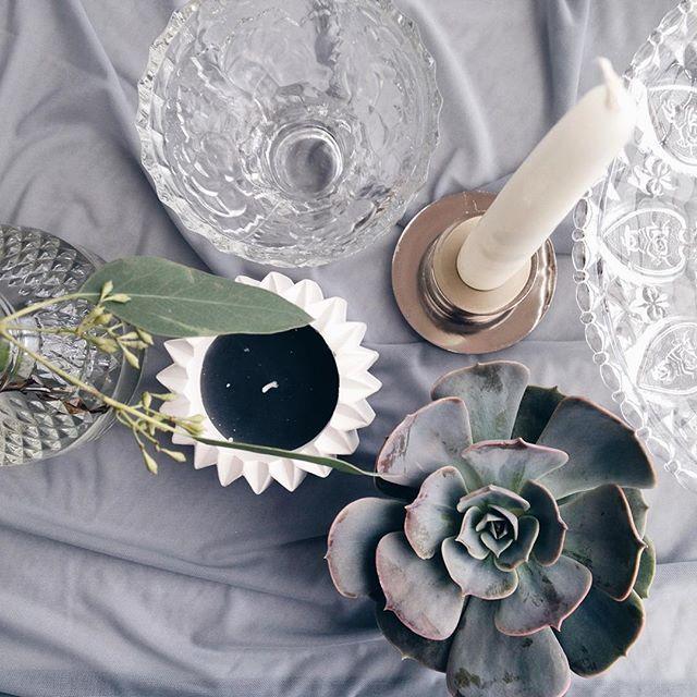 Мне кажется фото с этой свадьбы мы с @_coolya_ будем долго ещё выставлять💭 столько деталей, столько красоты и суккулентов 🌿🌿🌿🌿🌿 #суккулентовыйсентябрь #мы_женим_людей #флористкиев #grey #greywedding #details #succulent #candle #wedding #fineart #l4l #like4like #vscocam #vsco #vscoua #like #nice #follow #followme #суккуленты #серый #сераясвадьба #файнарт #like4like #wedart #weddingart #wedding_art_decor