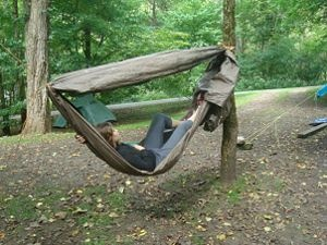 How to make a quick hammock from a tarp and rope great for Make a rope hammock