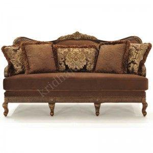 Kursi yang yang nyaman nan megah ada pada kursi sofa ukir avita dengan desain tiga dudukan atau tempat duduk untuk tiga