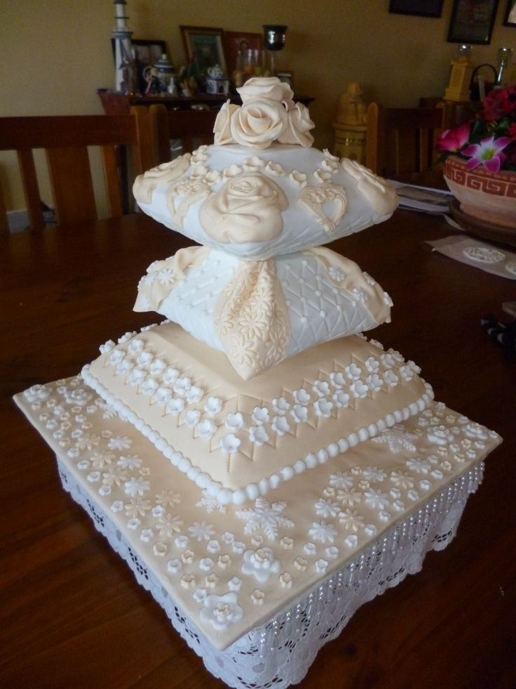 161 best images about pillow themed cakes on pinterest pillows gorgeous cakes and themed weddings. Black Bedroom Furniture Sets. Home Design Ideas
