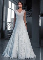 Wedding Dress Style 14633 by Love Bridal    Available in stock 1 dress left   Size: 12 UK / EU 42  Colour Ivory   Price: R 16 461  Hire Price R 8 802 tel.0215564880
