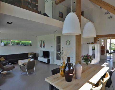 interieur modern huis met houten spanten - Google zoeken