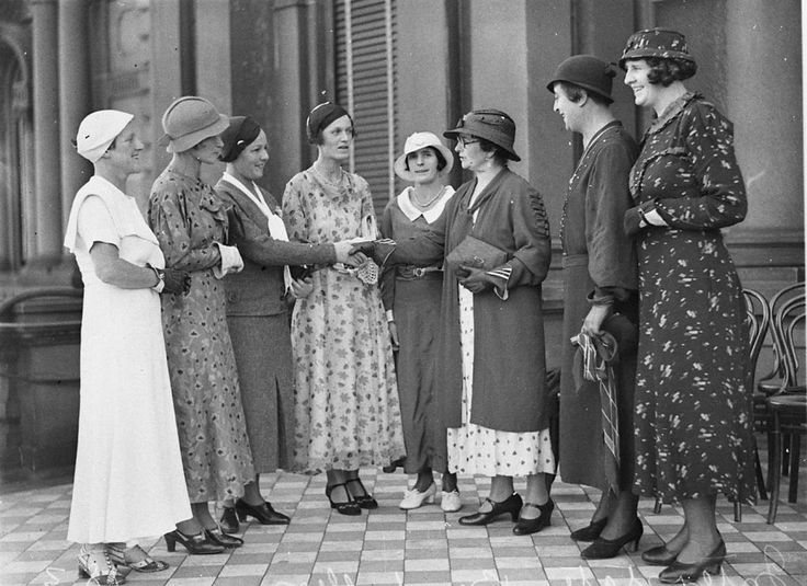 A group of 34 women baseballers outside the Sydney Town Hall on 16 April 1934. Photograph taken by Sam Hood. From the collections of the Mitchell Library, State Library of New South Wales : http://www.acmssearch.sl.nsw.gov.au/search/itemDetailPaged.cgi?itemID=52007