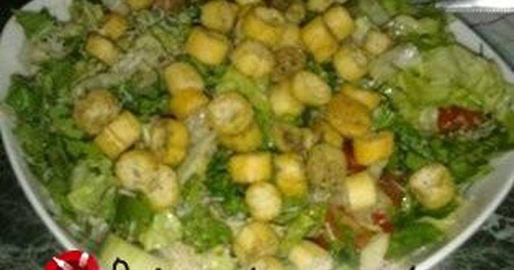 Εξαιρετική συνταγή για Σαλάτα ρόκα - παρμεζάνα αρωματική. Μια σαλάτα που δεν περιέχει μόνο ρόκα-παρμεζάνα και είναι γευστικότατη.... Λίγα μυστικά ακόμα Μπορείτε να αυξομειώσετε τα υλικά ανάλογα με τα γούστα σας...Το σκόρδο όμως με τη ρίγανη σε συνδυασμό με τη ρόκα-παρμεζάνα κάνει τη διαφορά...Ιδανική για να συνοδέψει τη μπριζόλα σας!
