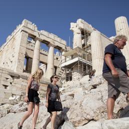 La Grecia riparte dal turismo: musei aperti 7 giorni su 7, dalle 8 alle 20. Un esempio per l'Italia? #musei #grecia #cultura